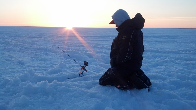 Lake of the woods northern pike fishing for Lake of the woods ice fishing packages