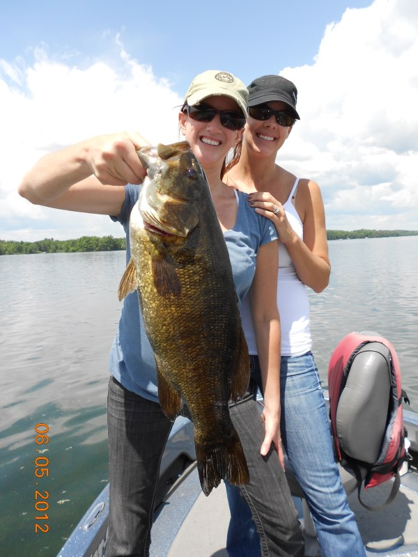 Smallmouth bass fishing guides in wisconsin chequamegon for Wi fishing season